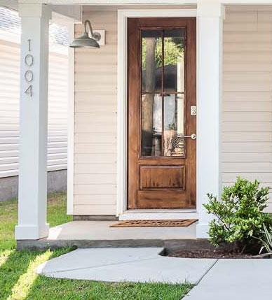 1004 N D street, front door